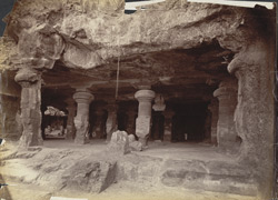 [Interior of] North-West Elephanta Cave.